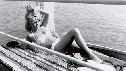 the-icon-brigitte-bardot-in-pampelonne-beach-in-saint-tropez
