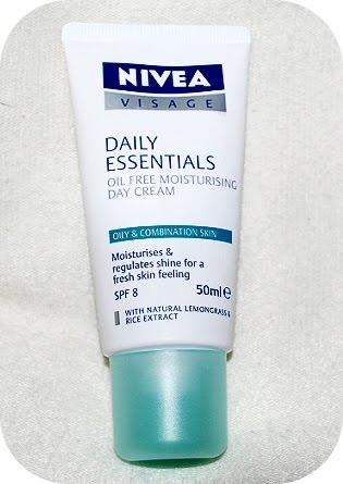 Nivea Daily Essentials for Oily & Combination Skin